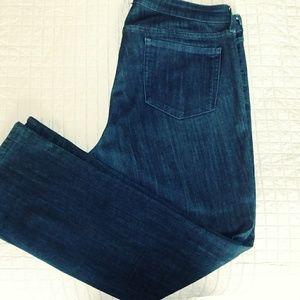 Jeans Old Navy Rockstar Straight Leg Size18